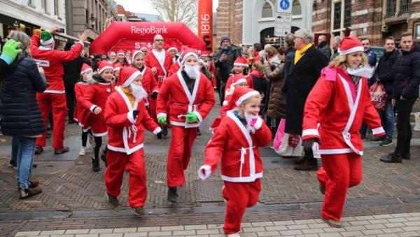 Eerste Santa Run van Woerden