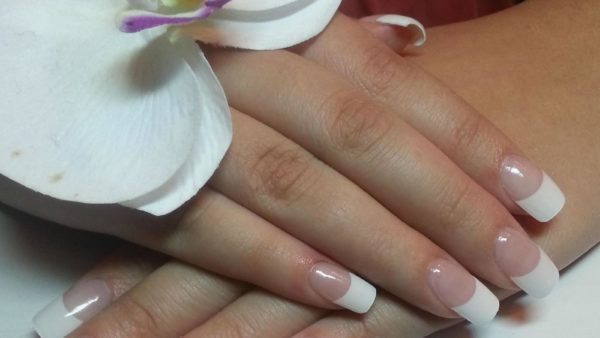 Lelie Nails